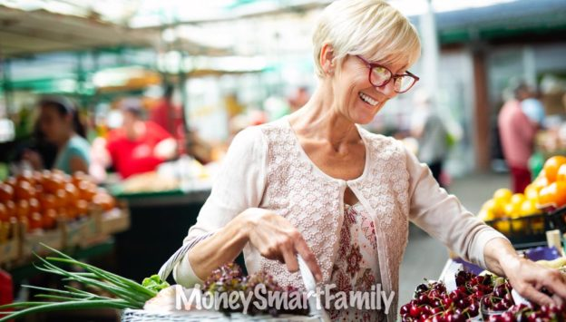 Grocery Stores with Senior Discounts - Woman selecting fruits and veggies