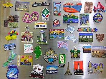 Refrigerator magnets for travel souvenirs